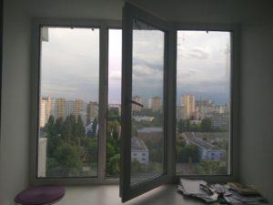 как отмыть окно после ремонта от наклеек и пленки
